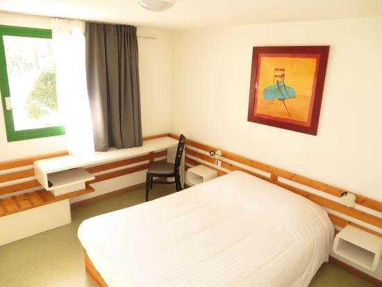 Chambre simple , double, PMR - Picture of N\'Atura Hotel, Aire-sur ...