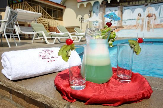 The Rocke's Plaza Hotel: Piscina