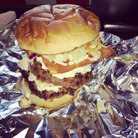 Hoss and Mary's Grub Shack: Asian Fusion Burger