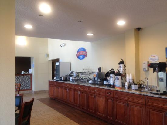Baymont Inn & Suites Beloit: Breakfast