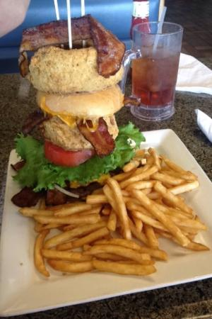 JD's Seafood Restaurant: Bacon cheese burger. The single!!