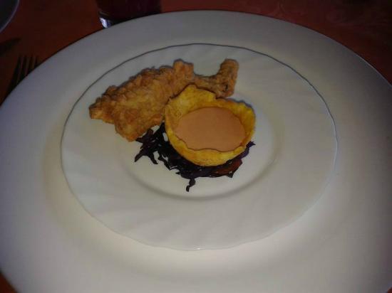 Hosteria El Arenal: Ancas de ranas.... deliciosas