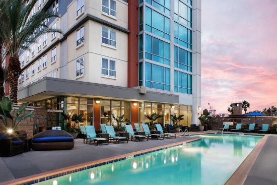 Residence Inn Long Beach Downtown: Outdoor Pool