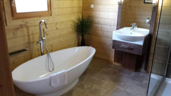 Dacre Lakeside Park: Perfect for a bubble bath