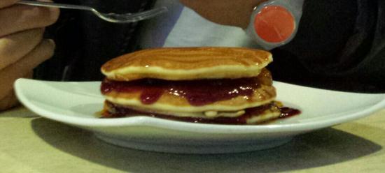 Funghetto Store caffè & bistrot - Blu Sky: deliziosi Pancake marmellata e sciroppo d'acero