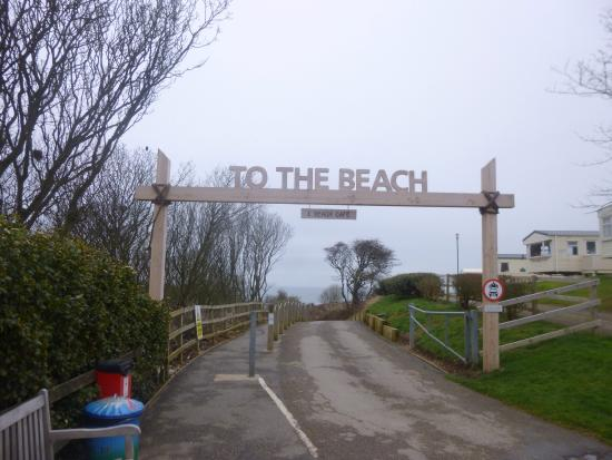 Reighton Sands Holiday Park - Haven: The descent to the beach!
