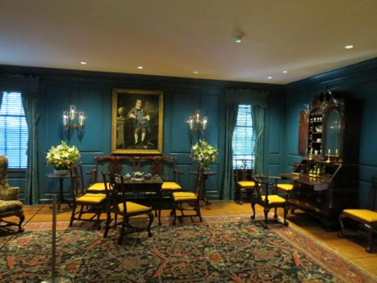 Bayou Bend Collection and Gardens : example of american chippendale antiques, 1760-80.