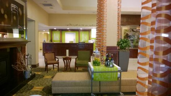Hilton Garden Inn Raleigh Triangle Town Center: Lounge