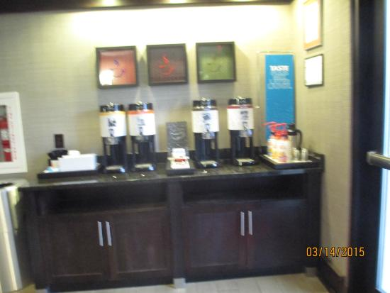 Hampton Inn Atlanta Town Center / Kennesaw: Coffee 24/7