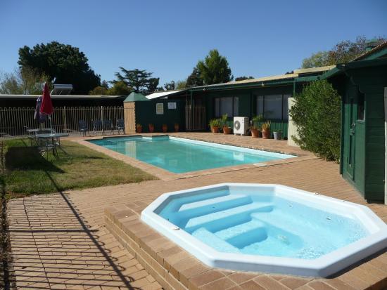 Barossa Motor Lodge: Pool and Spa