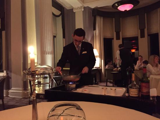 The Strathearn: Is the champion waiter of the world? I think so!!