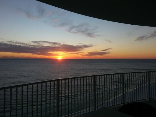 Emerald Isle Resort and Condominiums : another sunset