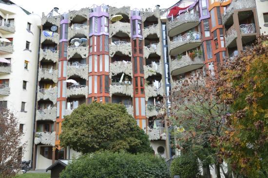 Schtroumph Buildings: vista frontal