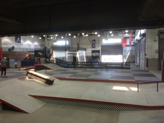 Vans Skatepark: Ice Cool Place!