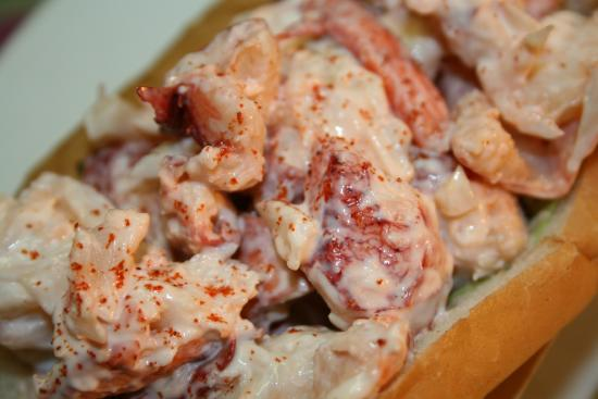 Lindsey's Seafood Restaurant: Lindsey's famous Lobster Roll