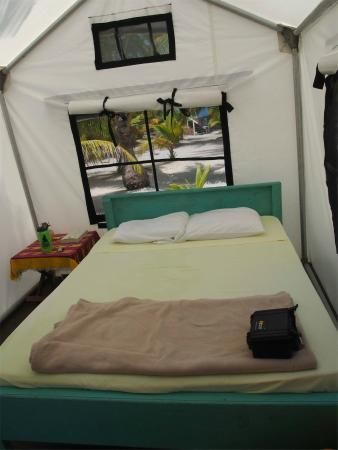 Glovers Reef Basecamp: Tent