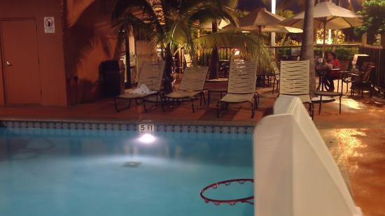 Hampton Inn Miami-Airport West: piscina