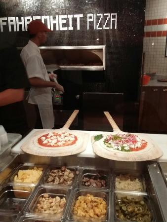Fahrenheit Pizza