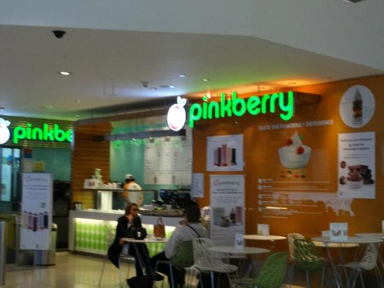 How many pinkberry locations are there