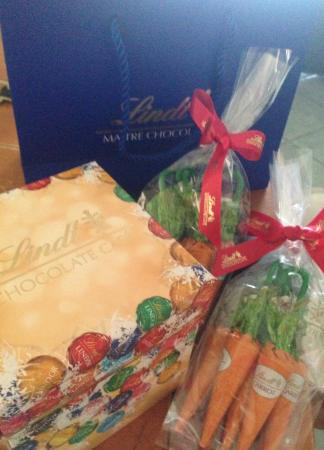Lindt cafe easter gift boxes carrots bunnies chocolate the lindt cafe lindt cafe easter gift boxes carrots bunnies chocolate negle Images