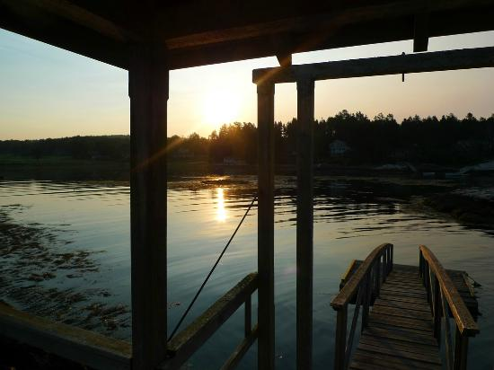 Rock Gardens Inn: The Dock