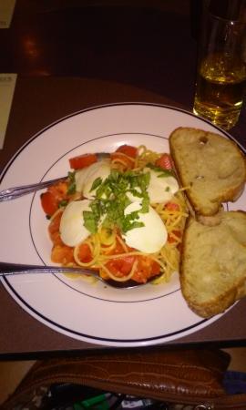 Pino's Pizza AL Centro: Spaghetti capri