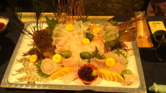 Toyokan Bekkan Shinyu Hotel: ヒラメのお刺身