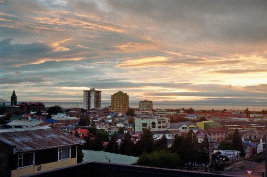 Ilaia Hotel : Blick am Morgen nach Feuerland von dem Dachkubus aus ...