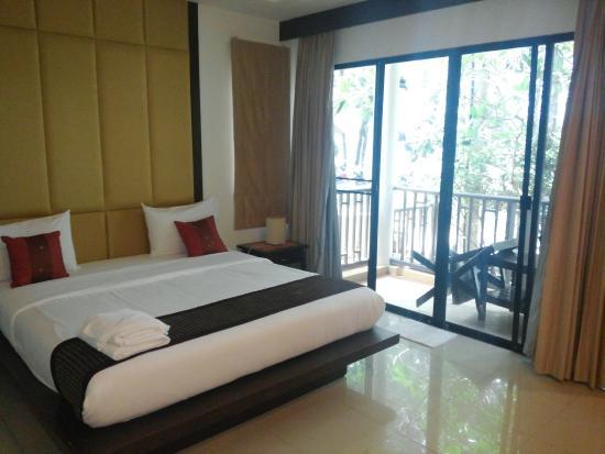 Phuket Naithon Resort: Kleiner Balkon