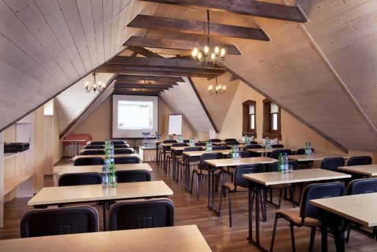 Szkolenia, konferencje Sudety Bielice Chata Cyborga sala szkoleniowa sala konferencyjna