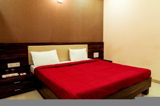 OYO 8759 Hotel Adore Palace (Mumbai) - Hotel Reviews, Photos, Rate ...