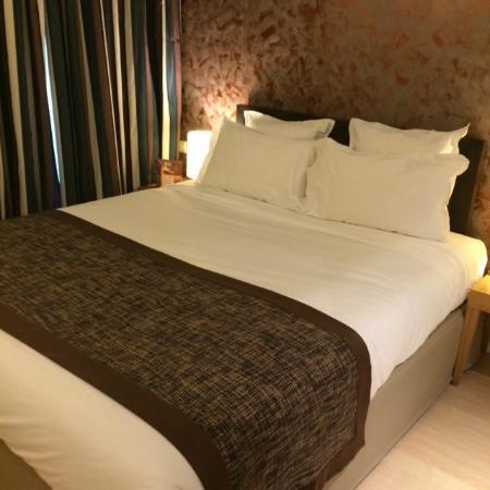 Residhome Paris-Opera: ダブルスタンダードのベッドです