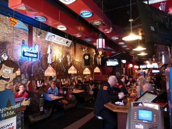Superb Pour House: Great Boston Bar