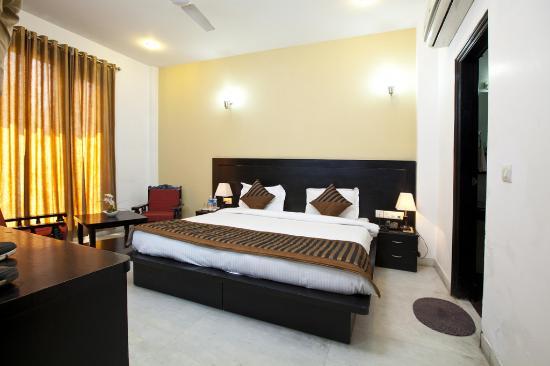 OYO Rooms Akashneem Marg