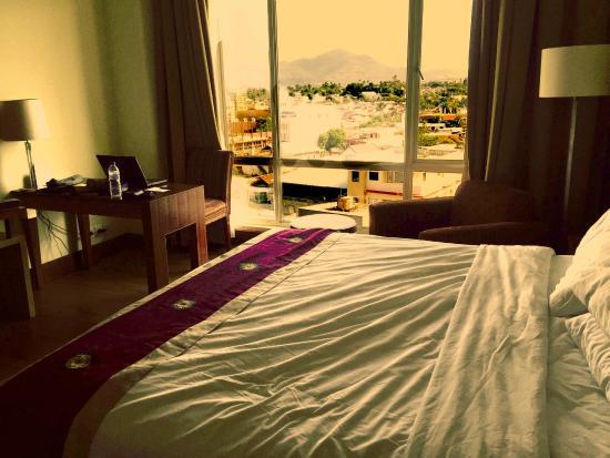 Swiss-Belhotel Maleosan Manado: Room with view