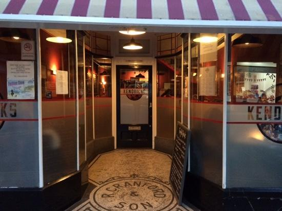 Kendricks Restaurant and Bar : the front door