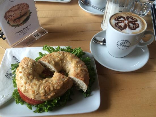 UP! Grade Your Food: Italian bagel with a blueccino