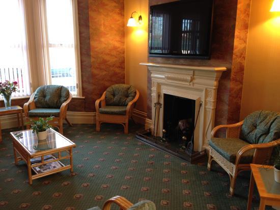 Ivydene Guest House: Guest Lounge Area