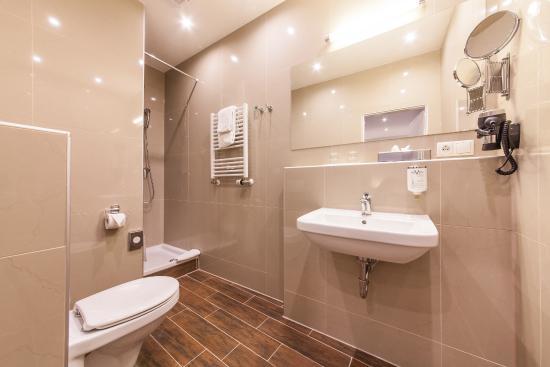 Badezimmer - Bild von Novum Hotel Excelsior, Dortmund - TripAdvisor