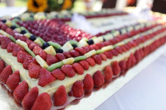 Pasticceria Castelnuovo : ottima frutta, ottimo pan di spagna e ottima crema pasticcera con frutti di bosco!