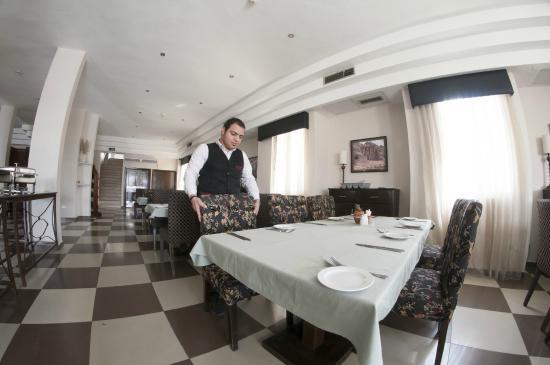 La Maison Hotel Petra: Dining