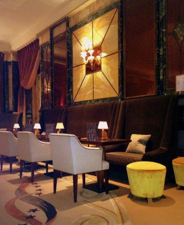 Hotel Principe Di Savoia: Romantic and discreet bar
