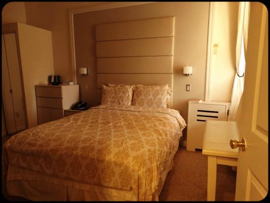 Da Vinci Hotel: Habitación