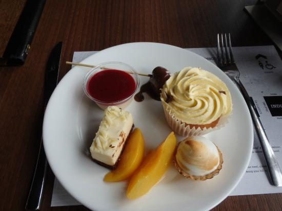 Desserts au Za za bazaar