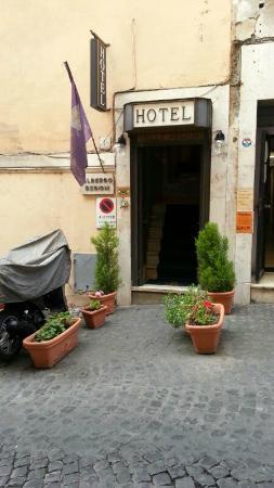 Hotel Delle Regioni: Frente del Hotel