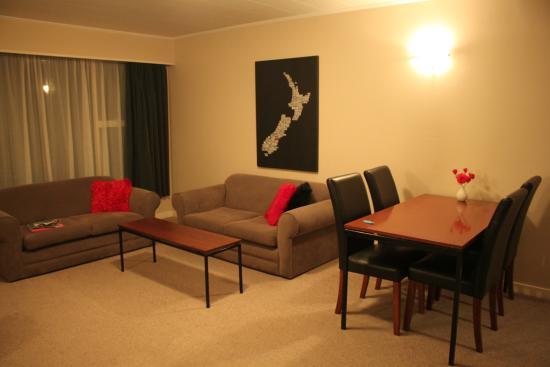 Aorangi Motel: Lounge & dining