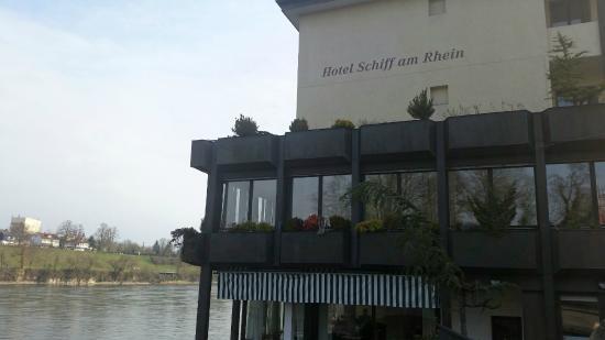 Hotel Schiff am Rhein : hotel shiff facciata