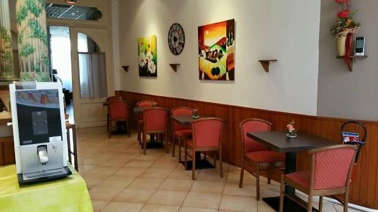 Hotel d 39 angleterre salon de provence france voir les for Hotel du theatre salon de provence