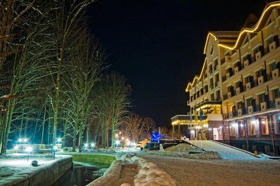 Polyana, Ukrayna: Отель зимой