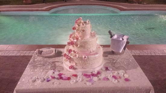 Oro Bianco: torta nuziale Gaetano e Francesca